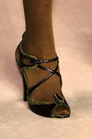 Nina Ricci Fall 2006 Ready-to-Wear Detail 0002