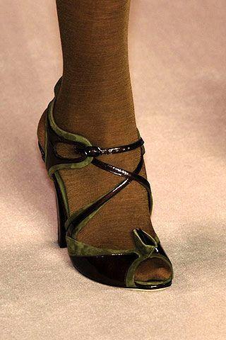 Nina Ricci Fall 2006 Ready-to-Wear Detail 0002