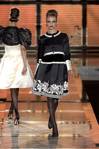 Valentino Fall 2006 Ready-to-Wear Collections 0003