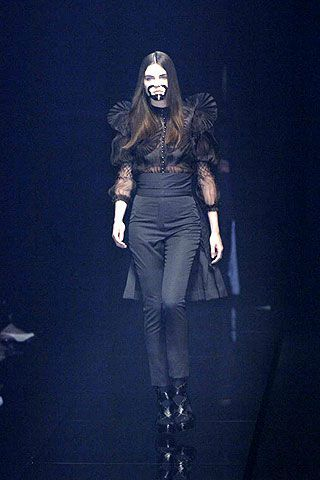 Fall 2006 Haute Couture Givenchy Collections 0002