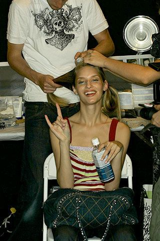 Nicole Miller Spring 2007 Ready-to-wear Backstage 0003