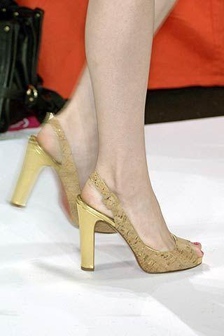 Diane von Furstenberg Spring 2007 Ready-to-wear Detail 0002