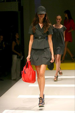 DKNY Spring 2007 Ready-to-wear Collections 0002