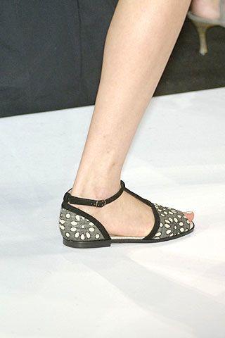 Carolina Herrera Spring 2007 Ready-to-wear Detail 0002