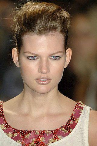 Carolina Herrera Spring 2007 Ready-to-wear Detail 0003