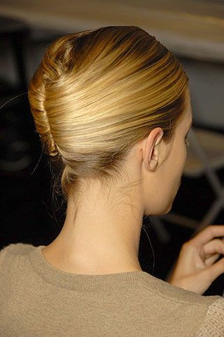 Luca Luca Spring 2007 Ready-to-wear Backstage 0002