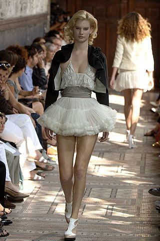 Anne Valerie Hash Fall 2006 Ready-to-Wear Collections 0002