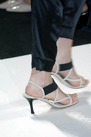 Vera Wang Spring 2007 Ready-to-wear Detail 0002