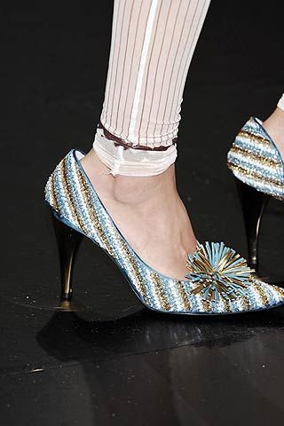 Joint, White, Style, Fashion, Black, High heels, Sandal, Dancing shoe, Fashion design, Basic pump,