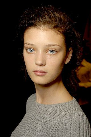 Max Azria Spring 2007 Ready-to-wear Backstage 0003