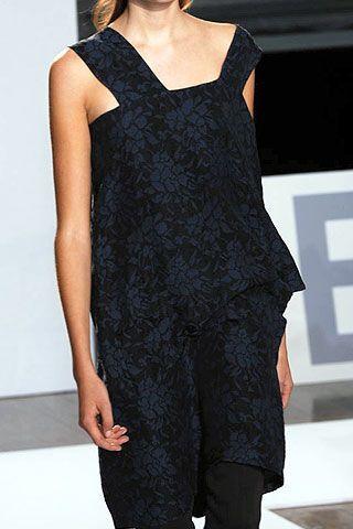 Nicole Farhi Spring 2007 Ready-to-wear Detail 0003