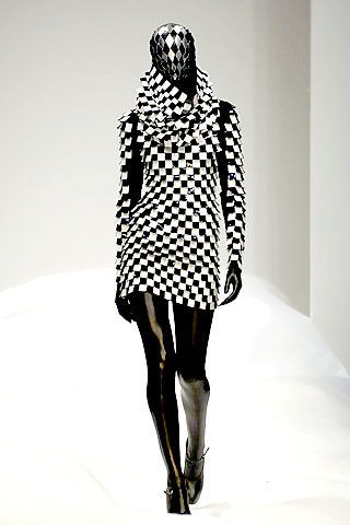 Gareth Pugh Spring 2007 Ready-to-wear Collections 0002