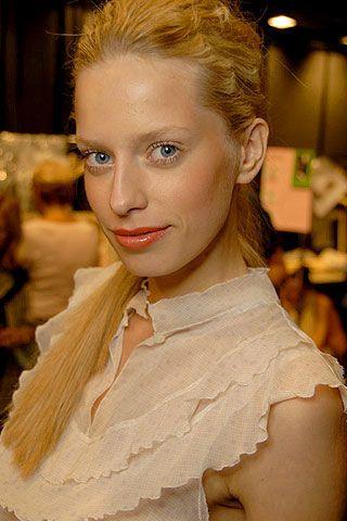 Kristina Ti Spring 2007 Ready-to-wear Backstage 0003