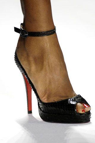 Diane von Furstenberg Fall 2006 Ready-to-Wear Detail 0001