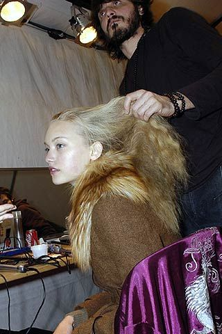 Rochas Fall 2006 Ready-to-Wear Backstage 0001
