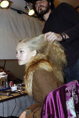 Rochas Fall 2006 Ready-to-Wear Backstage 0001