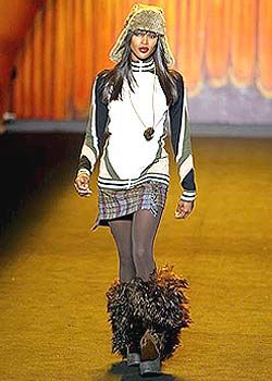 Anna Sui Fall 2003 Ready-to-Wear Collections 0001