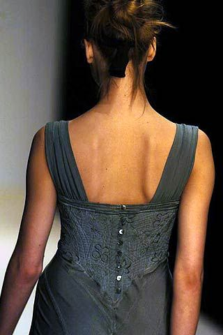 Ghost Fall 2006 Ready-to-Wear Detail 0001