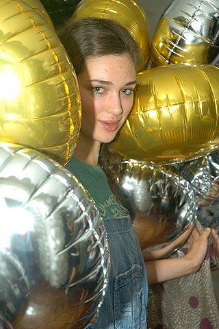 On Aura Tout Vu Fall 2006 Haute Couture Backstage 0001