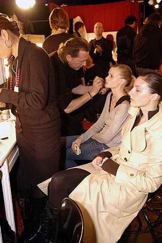 Veronique Branquinho Fall 2006 Ready-to-Wear Backstage 0001