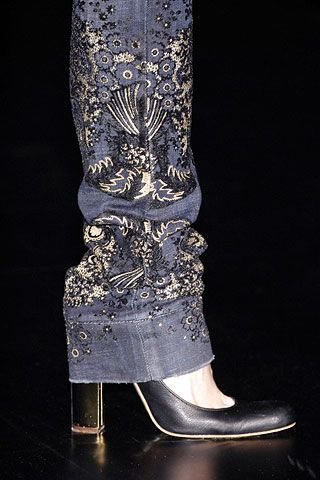 Just Cavalli Fall 2006 Ready-to-Wear Detail 0001