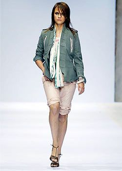 Burberry Prorsum Spring 2003 Ready-to-Wear Collection 0001