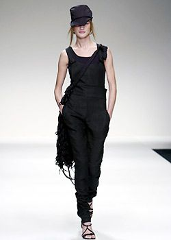 Byblos Spring 2003 Ready-to-Wear Collection 0001