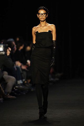 Givenchy Fall 2006 Ready-to-Wear Collections 0001