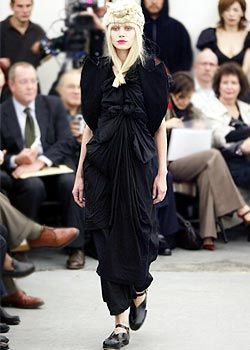 Comme des Garcons Spring 2003 Ready-to-Wear Collection 0001