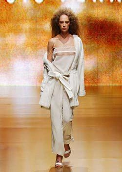Feraud Spring 2003 Ready-to-Wear Collection 0001