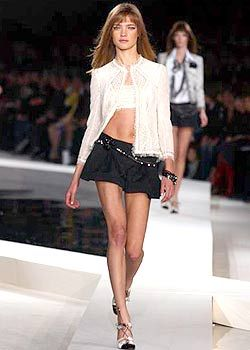 Chanel Spring 2003 Ready-to-Wear Collection 0001