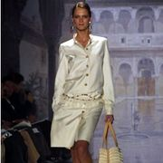 Oscar de La Renta Spring 2003 Ready-to-Wear Collection 0001