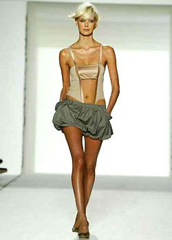 Stella McCartney Spring 2003 Ready-to-Wear Collection 0001