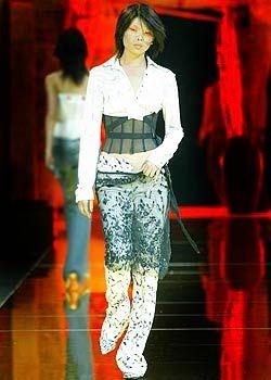 Red, Style, Fashion, Neck, Street fashion, Waist, Fashion model, Fashion design, Fashion show, Makeover,
