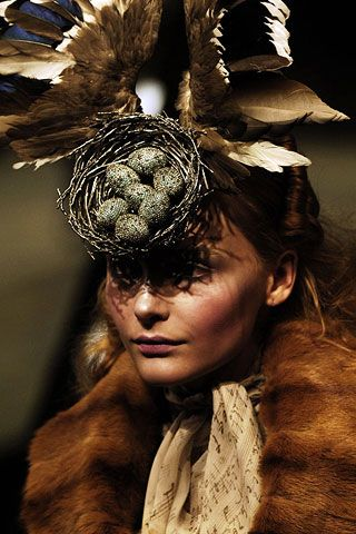 Alexander McQueen Fall 2006 Ready-to-Wear Detail 0001