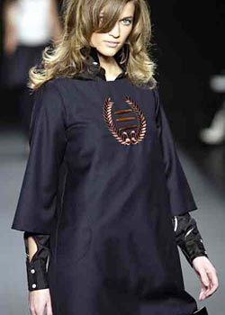 Alice Roi Fall 2003 Ready-to-Wear Detail 0001