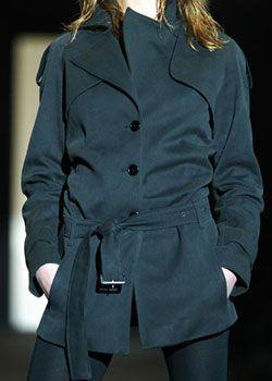 Alessandro Dell'Acqua Fall 2003 Ready-to-Wear Detail 0001