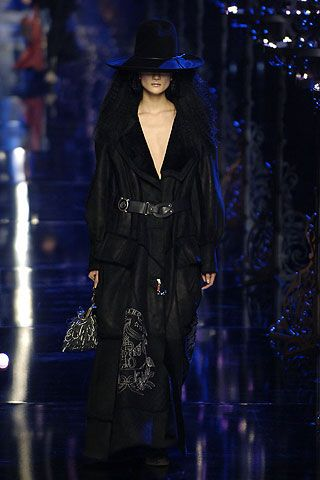 John Galliano Fall 2006 Ready-to-Wear Collections 0001