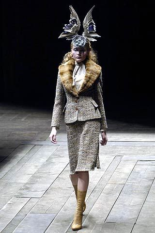 Alexander McQueen Fall 2006 Ready-to-Wear Collections 0001