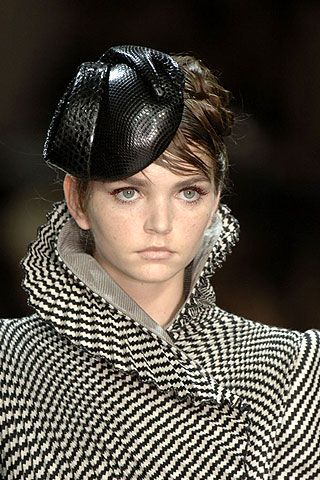 Giorgio Armani Prive Fall 2006 Haute Couture Detail 0001