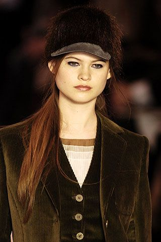 Nina Ricci Fall 2006 Ready-to-Wear Detail 0001