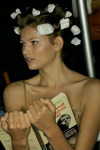 BCBG Max Azria Spring 2007 Ready-to-wear Backstage 0001