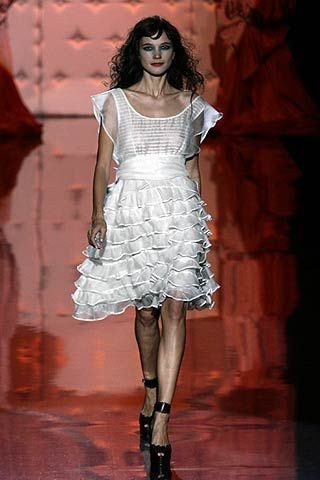 Betsey Johnson Spring 2007 Ready-to-wear Collections 0001
