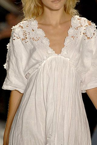 BCBG Max Azria Spring 2007 Ready-to-wear Detail 0001