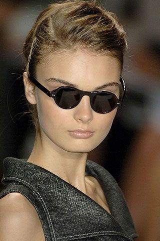 Carolina Herrera Spring 2007 Ready-to-wear Detail 0001
