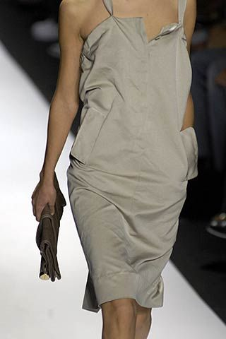 Max Azria Spring 2007 Ready-to-wear Detail 0001