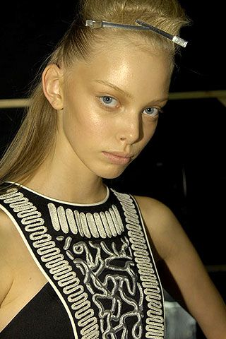 Jonathan Saunders Spring 2007 Ready-to-wear Backstage 0001