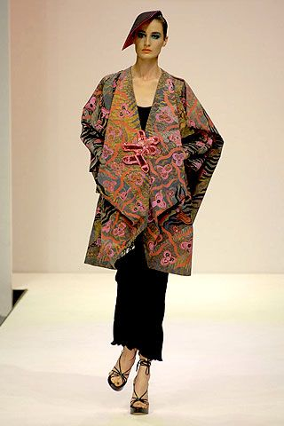 Zandra Rhodes Spring 2007 Ready-to-wear Collections 0001