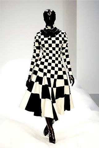 Gareth Pugh Spring 2007 Ready-to-wear Collections 0001