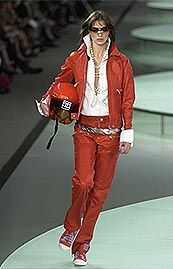 Chanel Spring 2002 Ready-to-Wear Collection 0001